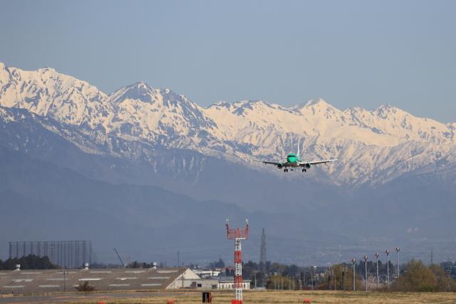 Musondaさんが、松本空港で撮影したフジドリームエアラインズ ERJ-170-100 SU (ERJ-170SU)の航空フォト(飛行機 写真・画像)