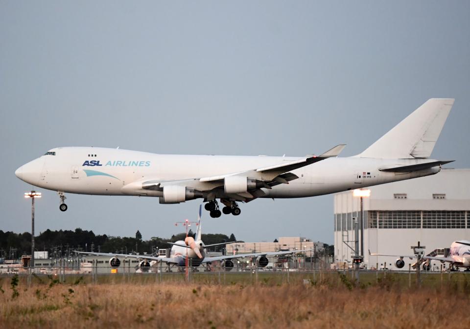 雲霧さんのASLエアラインズ・ベルギー Boeing 747-400 (OE-IFB) 航空フォト