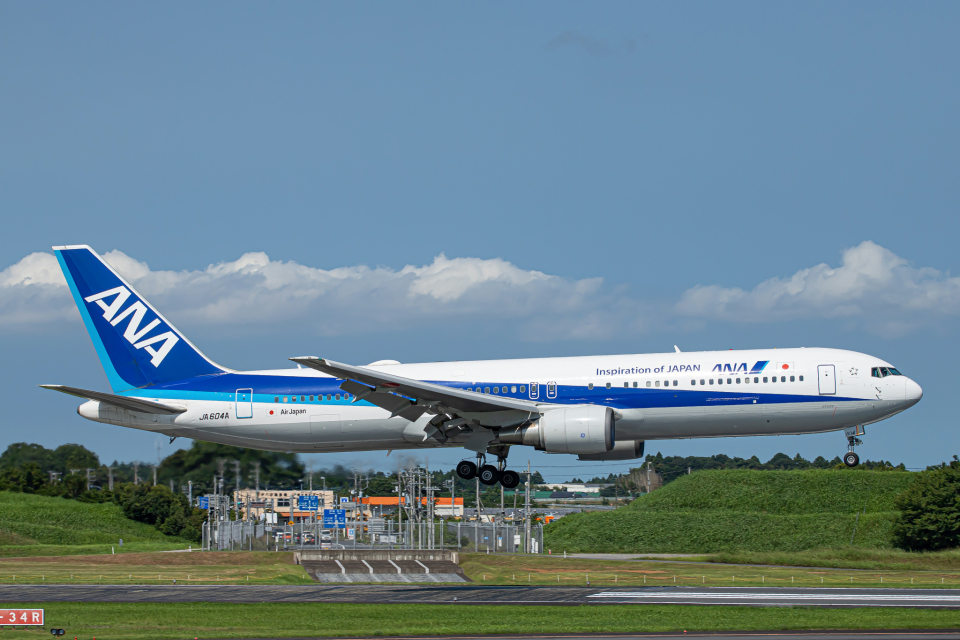 SGR RT 改さんの全日空 Boeing 767-300 (JA604A) 航空フォト