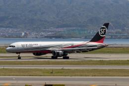 Koenig117さんが、関西国際空港で撮影したSF エアラインズ 757-2Z0(PCF)の航空フォト(飛行機 写真・画像)
