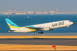 KAMIYA JASDFさんが、羽田空港で撮影したAIR DO 767-381/ERの航空フォト(飛行機 写真・画像)