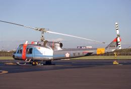 JAパイロットさんが、東京ヘリポートで撮影した警視庁 204B(FujiBell)の航空フォト(飛行機 写真・画像)