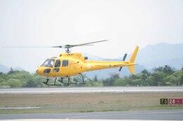Re4/4さんが、広島空港で撮影した日本法人所有 AS350B Ecureuilの航空フォト(飛行機 写真・画像)
