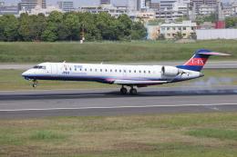 sumihan_2010さんが、伊丹空港で撮影したアイベックスエアラインズ CL-600-2C10 Regional Jet CRJ-702ERの航空フォト(飛行機 写真・画像)