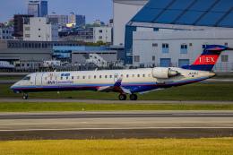 rokko2000さんが、伊丹空港で撮影したアイベックスエアラインズ CL-600-2C10 Regional Jet CRJ-702ERの航空フォト(飛行機 写真・画像)