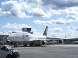 白い人さんが、フランクフルト国際空港で撮影したルフトハンザドイツ航空 747-430の航空フォト(飛行機 写真・画像)
