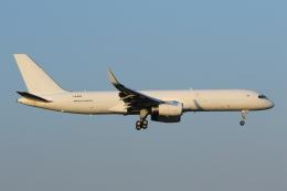 Defiantさんが、成田国際空港で撮影したアビアスター 757-223(PCF)の航空フォト(飛行機 写真・画像)