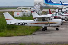 (新)ふぁんとむ改さんが、佐賀空港で撮影したエス・ジー・シー佐賀航空 172R Skyhawkの航空フォト(飛行機 写真・画像)
