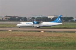 Rsaさんが、タンソンニャット国際空港で撮影したベトナム・エアサービス ATR 72-500 (72-212A)の航空フォト(飛行機 写真・画像)