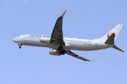 TAK_HND_NRTさんが、高松空港で撮影した日本航空 737-846の航空フォト(飛行機 写真・画像)