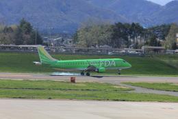 nakanohitoAさんが、花巻空港で撮影したフジドリームエアラインズ ERJ-170-200 (ERJ-175STD)の航空フォト(飛行機 写真・画像)