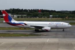 sin747さんが、成田国際空港で撮影したネパール航空 A330-243の航空フォト(飛行機 写真・画像)