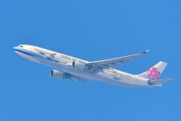 Hiro Satoさんが、スワンナプーム国際空港で撮影したチャイナエアライン A330-302の航空フォト(飛行機 写真・画像)
