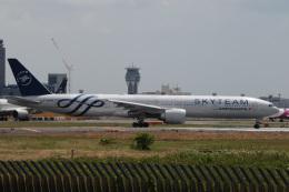 アルビレオさんが、成田国際空港で撮影したエールフランス航空 777-328/ERの航空フォト(飛行機 写真・画像)