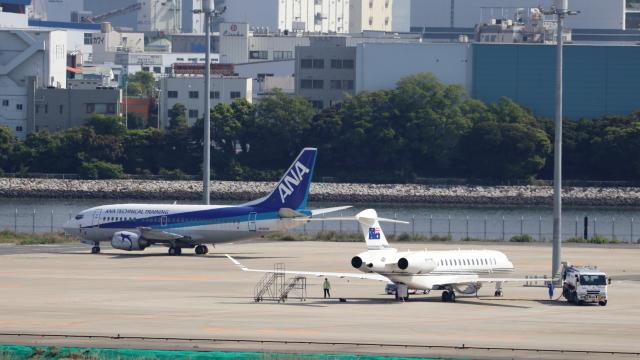 誘喜さんが、羽田空港で撮影したオーストラリア企業所有 BD-700-2A12 Global 7500の航空フォト(飛行機 写真・画像)