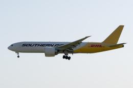 ぎんじろーさんが、成田国際空港で撮影したサザン・エア 777-FZBの航空フォト(飛行機 写真・画像)