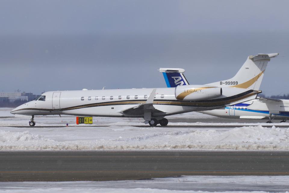 yabyanさんのエグゼクティブ・アヴィエーション・台湾 Embraer ERJ-135 (B-99999) 航空フォト