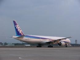 れぐぽよさんが、小松空港で撮影した全日空 777-381の航空フォト(飛行機 写真・画像)