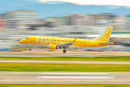 KAMIYA JASDFさんが、福岡空港で撮影したフジドリームエアラインズ ERJ-170-200 (ERJ-175STD)の航空フォト(飛行機 写真・画像)
