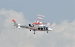 ヘリオスさんが、羽田空港で撮影した朝日新聞社 A109SPの航空フォト(飛行機 写真・画像)