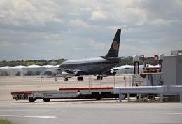 Hikobouzさんが、成田国際空港で撮影したスカイ・アヴィエーション 737-2W8/Advの航空フォト(飛行機 写真・画像)