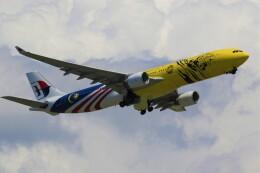 電車の運転士さんが、成田国際空港で撮影したマレーシア航空 A330-323Xの航空フォト(飛行機 写真・画像)