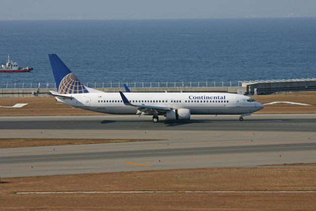 tsubameさんが、中部国際空港で撮影したコンチネンタル航空 737-824の航空フォト(飛行機 写真・画像)