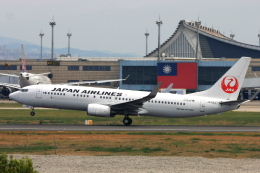 S.Hayashiさんが、台湾桃園国際空港で撮影した日本航空 737-846の航空フォト(飛行機 写真・画像)