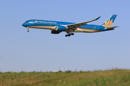 flyskyさんが、成田国際空港で撮影したベトナム航空 A350-941の航空フォト(飛行機 写真・画像)