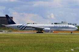 みるぽんたさんが、成田国際空港で撮影したエールフランス航空 777-328/ERの航空フォト(飛行機 写真・画像)