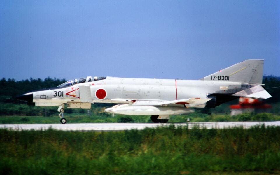 ダブルタンゴさんの航空自衛隊 McDonnell Douglas F-4EJ Phantom II (17-8301) 航空フォト