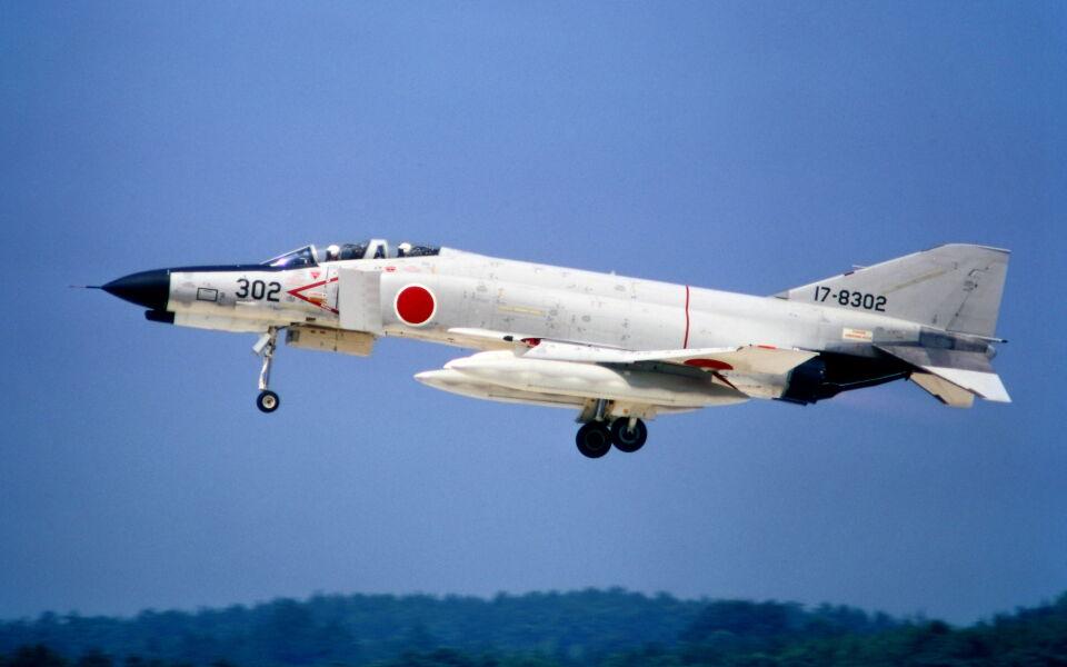 ダブルタンゴさんの航空自衛隊 McDonnell Douglas F-4EJ Phantom II (17-8302) 航空フォト