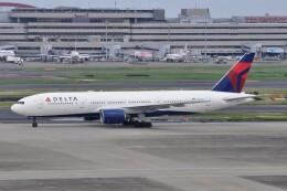Flying A340さんが、羽田空港で撮影したデルタ航空 777-232/ERの航空フォト(飛行機 写真・画像)