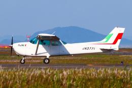こぐともさんが、山口宇部空港で撮影した新日本航空 172M Skyhawkの航空フォト(飛行機 写真・画像)