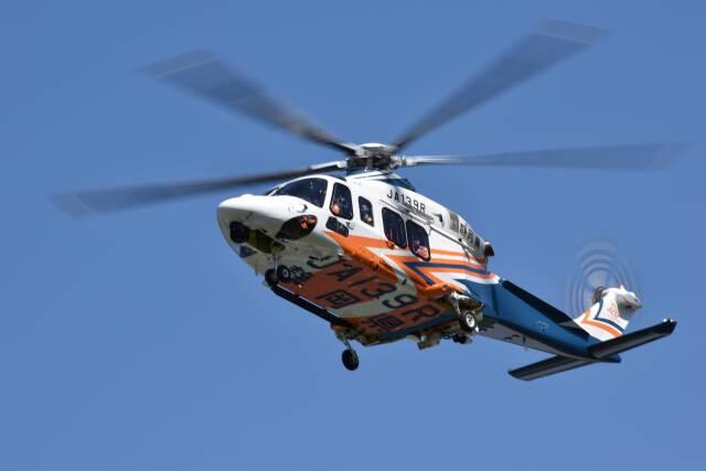 赤い水性ペンのシャアさんが、静岡ヘリポートで撮影した静岡県消防防災航空隊 AW139の航空フォト(飛行機 写真・画像)