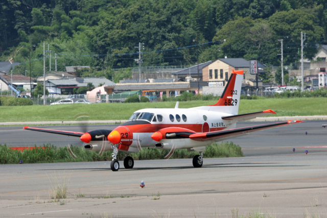 tsubameさんが、福岡空港で撮影した海上自衛隊 TC-90 King Air (C90)の航空フォト(飛行機 写真・画像)