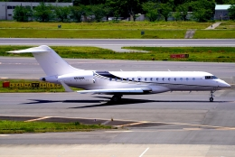 SFJ_capさんが、成田国際空港で撮影したウィルミントン・トラスト・カンパニー BD-700-1A10 Global 6000の航空フォト(飛行機 写真・画像)