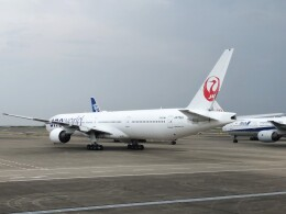 Smyth Newmanさんが、羽田空港で撮影した日本航空 777-346の航空フォト(飛行機 写真・画像)