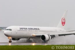遠森一郎さんが、熊本空港で撮影した日本航空 767-346の航空フォト(飛行機 写真・画像)