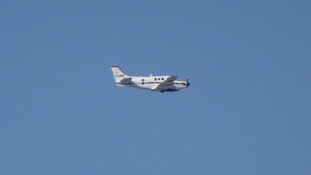 IOPさんが、茅ケ崎で撮影した海上自衛隊 LC-90 King Air (C90)の航空フォト(飛行機 写真・画像)