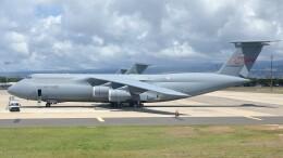 不揃いさんが、ダニエル・K・イノウエ国際空港で撮影したアメリカ空軍 C-5M Super Galaxyの航空フォト(飛行機 写真・画像)