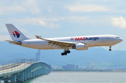 amagoさんが、関西国際空港で撮影したマレーシア航空 A330-223Fの航空フォト(飛行機 写真・画像)