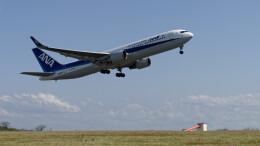 オキシドールさんが、鳥取空港で撮影した全日空 767-381/ERの航空フォト(飛行機 写真・画像)