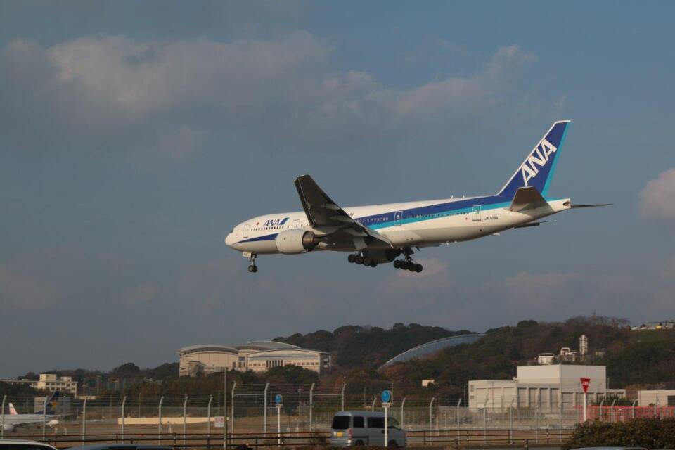 kou-1さんの全日空 Boeing 777-200 (JA706A) 航空フォト