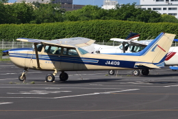 jun☆さんが、調布飛行場で撮影した東京航空 172P Skyhawk IIの航空フォト(飛行機 写真・画像)