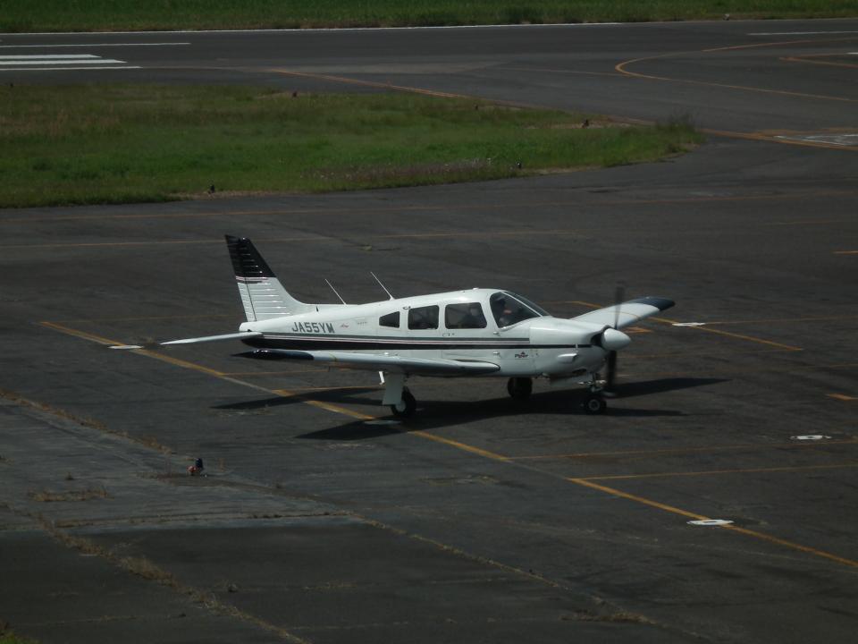 ヒコーキグモさんの日本個人所有 Piper PA-28 Cherokee (JA55YM) 航空フォト