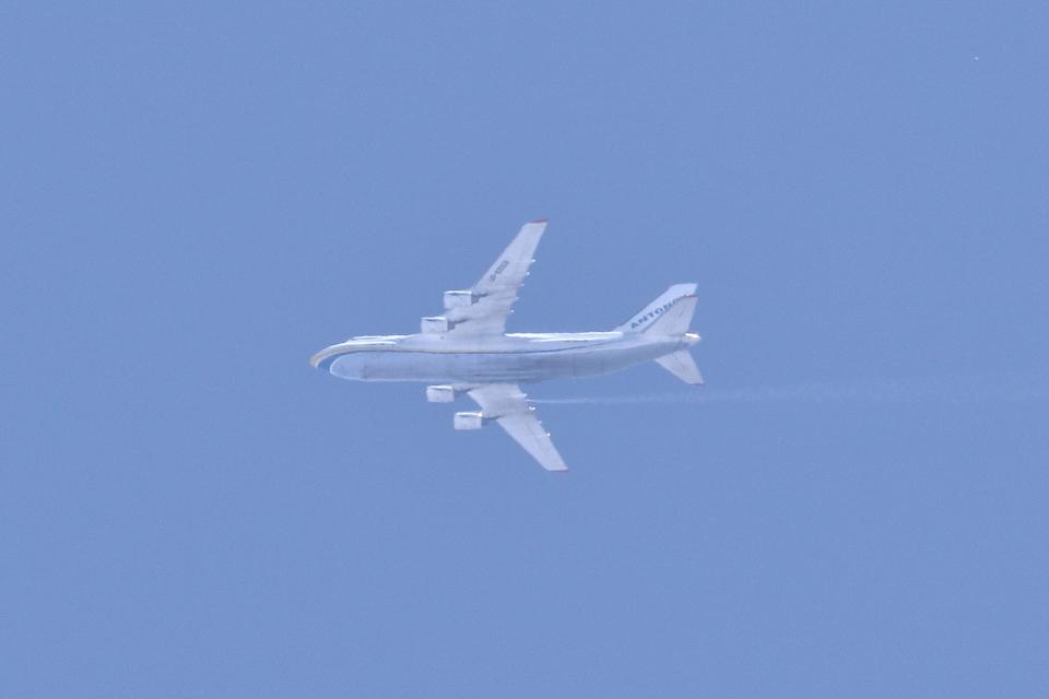 レガシィさんのアントノフ・エアラインズ Antonov An-124 Ruslan (UR-82008) 航空フォト