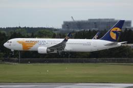 MOHICANさんが、成田国際空港で撮影したMIATモンゴル航空 767-34G/ERの航空フォト(飛行機 写真・画像)