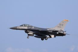 TAKAHIDEさんが、三沢飛行場で撮影したアメリカ空軍 F-16CM-50-CF Fighting Falconの航空フォト(飛行機 写真・画像)