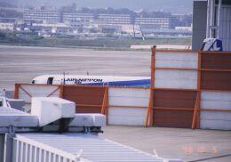 ykkys11さんが、伊丹空港で撮影したエアーニッポン YS-11A-500の航空フォト(飛行機 写真・画像)